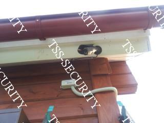 Установка видеонаблюдения в коттедже. Уличная камера видеонаблюдения.