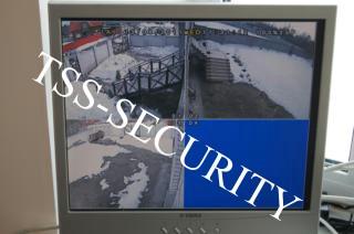 Установка видеонаблюдения в коттедже. Монитор системы видеонаблюдения.