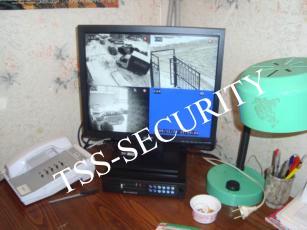 Монитор системы видеонаблюдения у консьержа