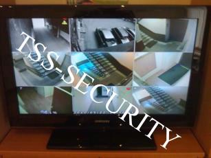 Видеонаблюдение в офисе. Монитор видеонаблюдения. ЖК телевизор системы видеонаблюдения.