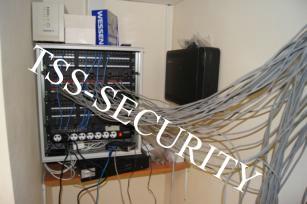 Монтаж слаботочных сетей в офисе. Подключение патч-панелей.