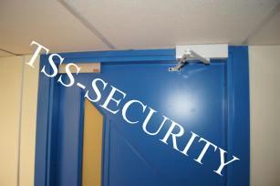 Монтаж слаботочных сетей в офисе. Установка системы контроля и управления доступом.