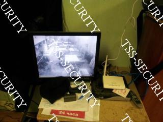 Вид со старой камеры видеонаблюдения.