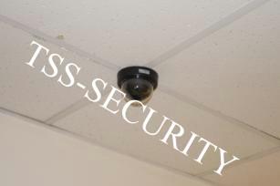 Установка видеонаблюдения в офисе. Купольная камера системы видеонаблюдения.
