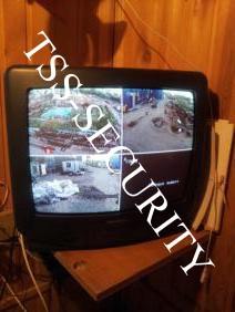 Телевизор используемый в качестве охранного монитора.
