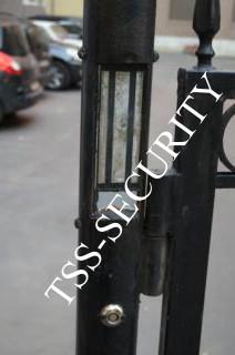 Электромагнитный замок и считыватель магнитных ключей СКД.
